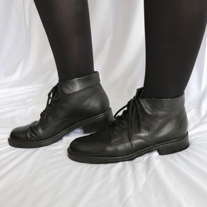 Kim Rogers Lace up Booties Size 9